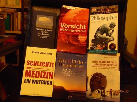 Juni 2012 - 5 - Olymp 810 Bunker-Bücher 001