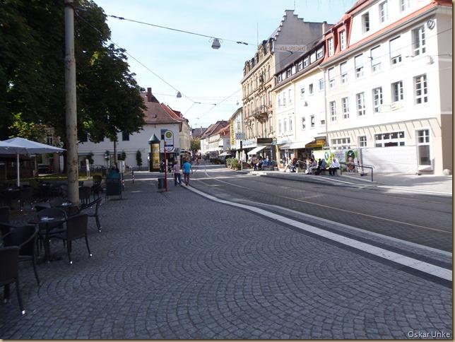 Blick nach links in die Pfinztalstrasse