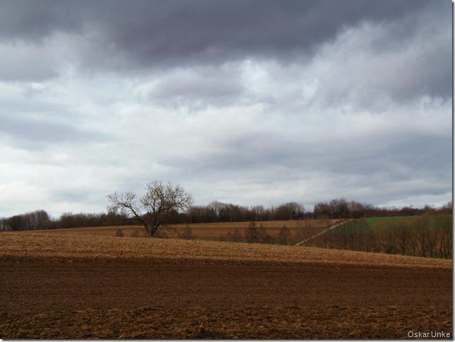 Immer wieder sehr dunkle Wolken