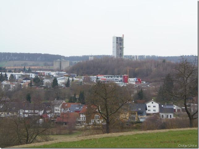 Blick auf Wössinger Gewerbegebiet