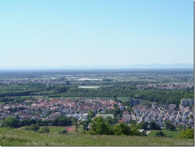 Blick auf Untergrombach und weitere Ortschaften